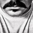 夢占い 髭
