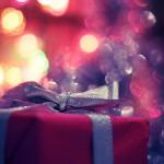 夢占いでプレゼントは円滑な人間関係を表す吉夢です。