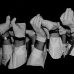 夢占いで手袋の意味/解釈は?!直接触れたくない物事を暗示しています。