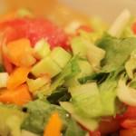 夢占いでサラダ・野菜の意味/解釈は?!豊かさや健康をあらわします。