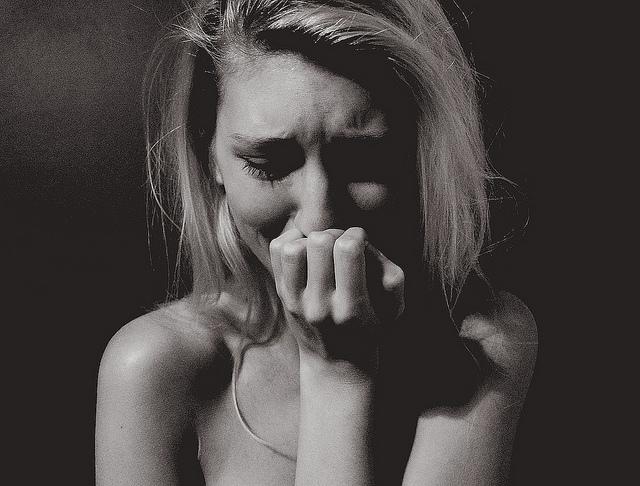 夢占いで泣くことの意味とは?人生が涙で清められ、開運の予兆?!