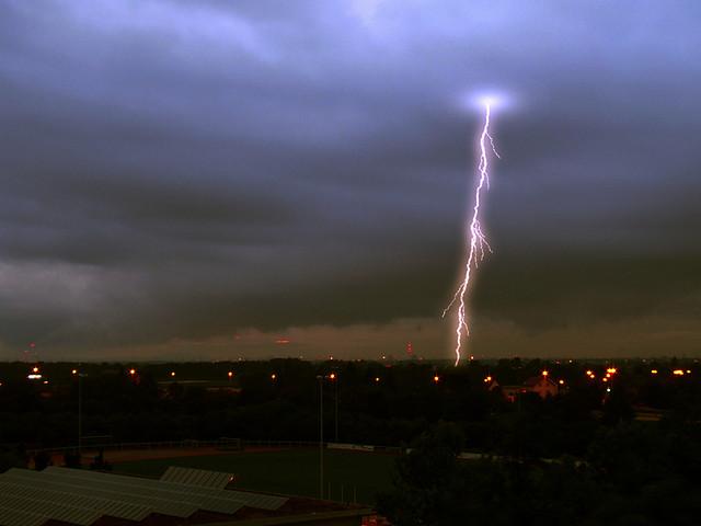 夢占いで雷の意味/解釈は?大きな変化やチャンスの予兆です。