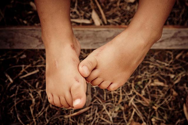 夢占いで足の意味/解釈は?!自分を支える生活の基盤を意味します。