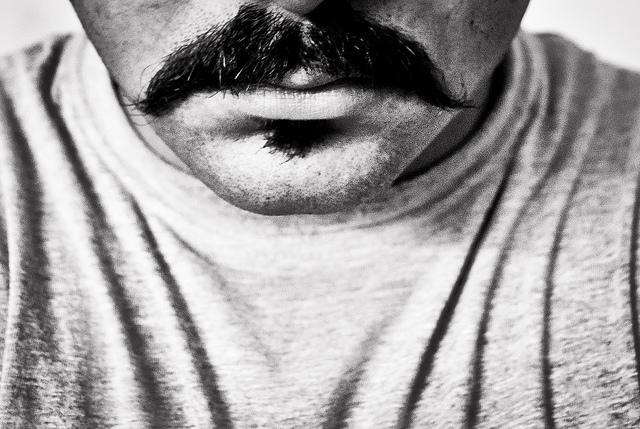 夢占いで髭の意味/解釈は?!その人の「生命力」や「権威」を意味します。
