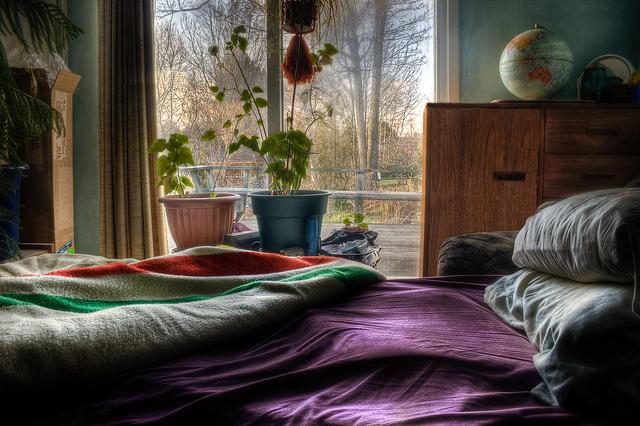 夢占いでベッド・毛布など寝具の意味/解釈は?休息、安らぎの象徴です。
