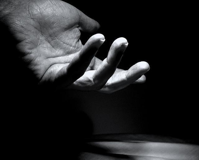 夢占いで手相の意味/解釈は?!運命的なものをあらわします。