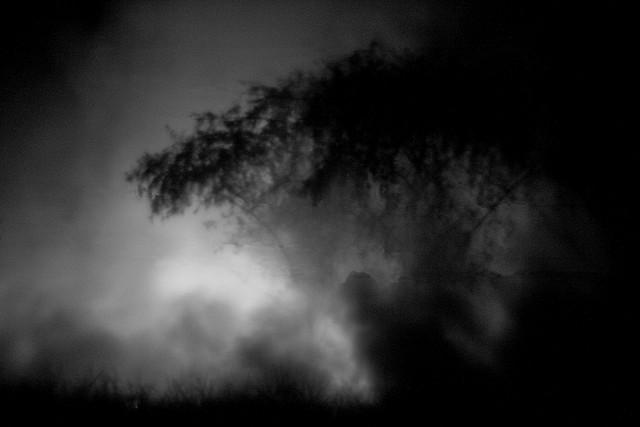 夢占いで煙の意味/解釈は?トラブル発生や問題の火種があることを予兆します。。