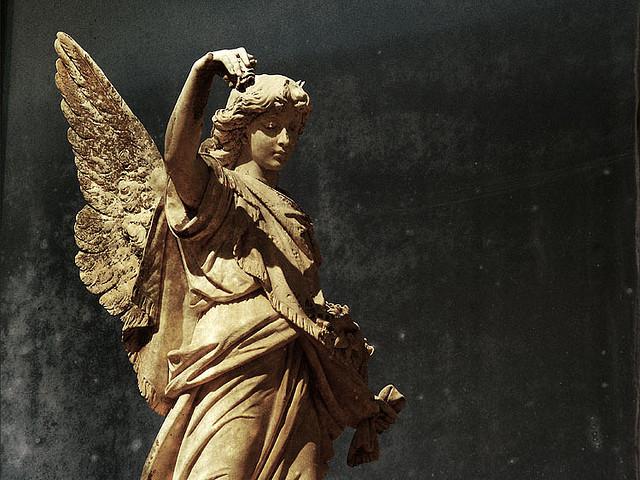 夢占いで天使は意味/解釈は?!神様の使いを象徴します。