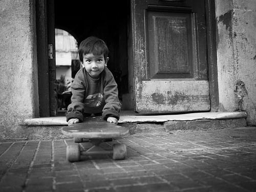 夢占いで孤児の意味/解釈は?!あなたの孤独感や飢えた愛情をあらわしています。
