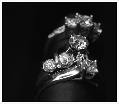 夢占いでダイヤモンドの意味/解釈は?!自分自身の大切な物を表わします。