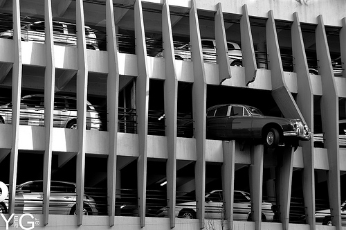 夢占いで駐車・駐車場の意味/解釈は?!心休まる居場所を表わします。