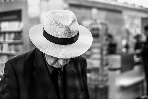 夢占いで帽子は意味/解釈は!?自己顕示欲を表しています。