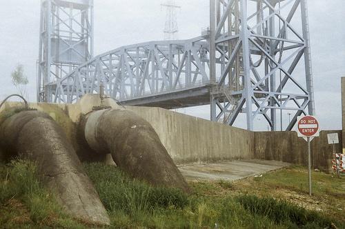 夢占いで堤防・防波堤の意味/解釈は?!ストレスが溜まっている暗示です。