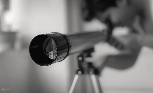 夢占いで望遠鏡の意味/解釈は?!未来を見通す力を暗示します。