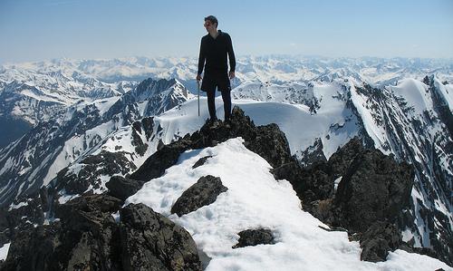 夢占いで雪山の意味/解釈は?!困難な時期が訪れることを示します。