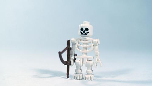 夢占いで骨・骸骨の意味/解釈は?!負や災いの暗示です。