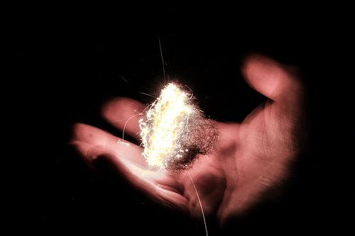 夢占いで拾う意味/解釈は?!新しい可能性を暗示しています。