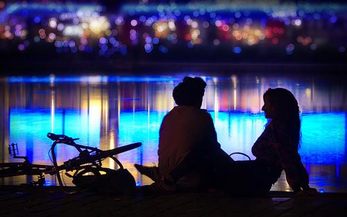 夢占いで付き合う意味/解釈は?!他者との繋がりを暗示しています。
